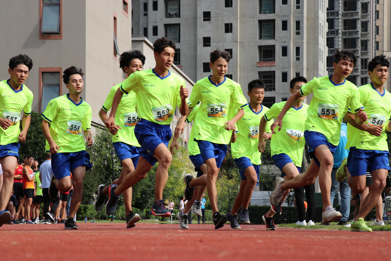 """【市运会资讯】游泳、跑步、划船样样都行 上海""""小铁人""""是怎样炼成的?"""