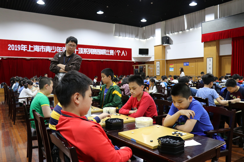 """女承父业学围棋 上海""""最年轻""""的业余6段女围棋手是如何炼成的?"""
