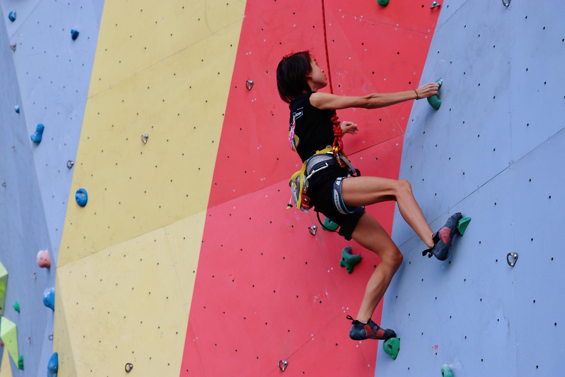 做攀岩壁上的勇士!2019上海市青少年攀岩锦标赛落幕