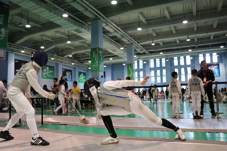 让运动成为提升自己的桥梁——2019年上海市中小学生击剑冠军赛顺利举办