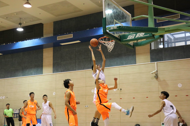 球场也得拼脑力!2019年上海市中小学生篮球冠军赛火热进行中
